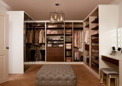 Walk In wardrobe - Parity matt white and walnut (17)